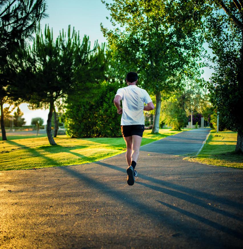 Man-running-quintinhas